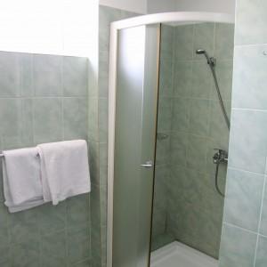 1-baie-camera-single-hotel-class-oradea