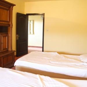 12-apartament-deluxe-hotel-class-oradea