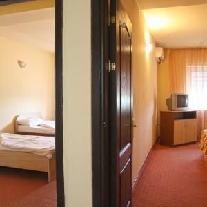14-apartament-deluxe-hotel-class-oradea
