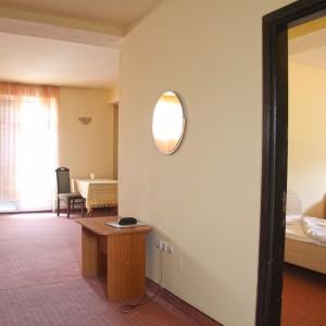 15-apartament-deluxe-hotel-class-oradea