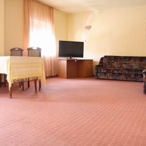 2-apartament-deluxe-hotel-class-oradea