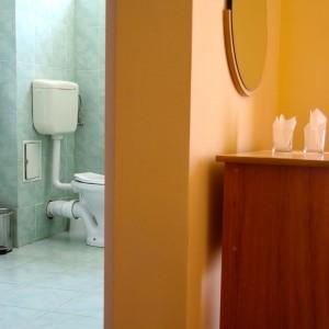 3-baie-si-camera-single-hotel-class-oradea