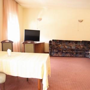 4-apartament-deluxe-hotel-class-oradea