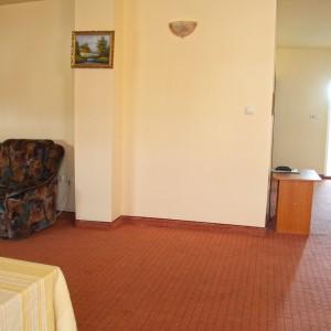 5-apartament-deluxe-hotel-class-oradea
